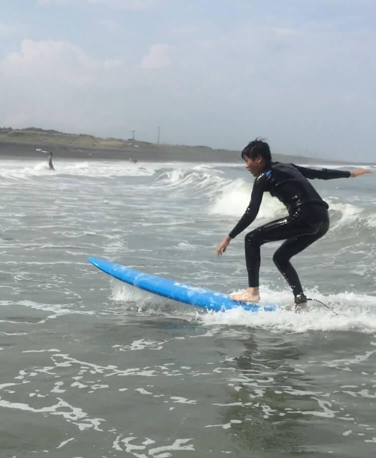サーフィン体験レッスン,CHP,千葉一宮町,マンツーマンレッスン,サーフボードに立てた